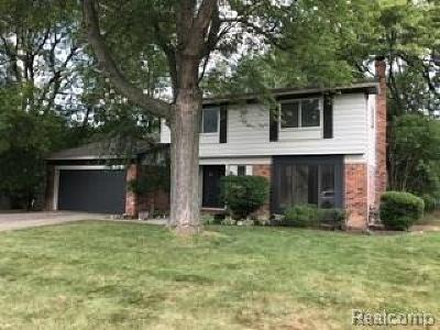 West Bloomfield Twp Single Family Home For Sale: 3760 Tyrconnel Trail