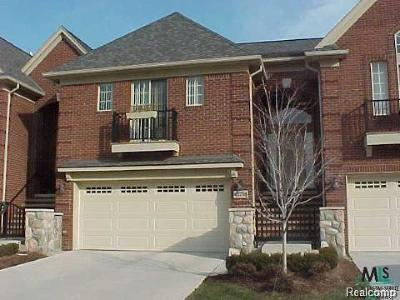 Macomb Twp MI Condo/Townhouse For Sale: $216,500
