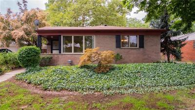 Royal Oak Single Family Home For Sale: 1915 Cresthill Avenue