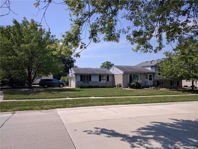 Single Family Home For Sale: 41975 Woodbridge Drive