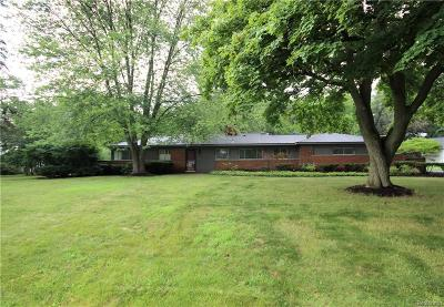 Bloomfield Twp Single Family Home For Sale: 4570 Pickering Road