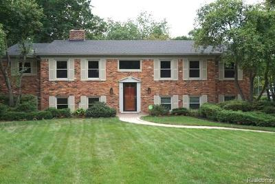 Bloomfield Twp Single Family Home For Sale: 5631 Raven Court