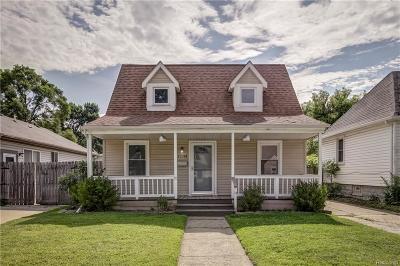 Hazel Park Single Family Home For Sale: 23098 Hazelwood Avenue