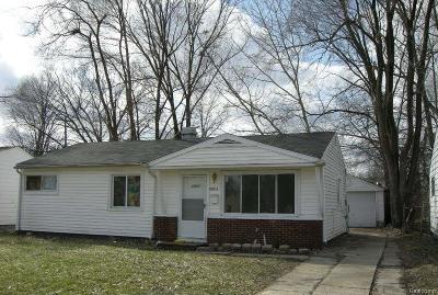 Oak Park Single Family Home For Sale: 22011 Dante Street