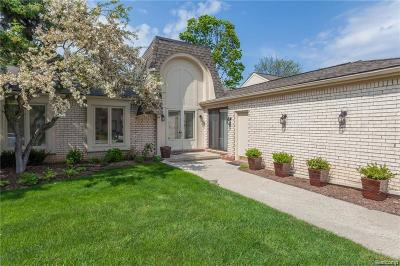 Bloomfield Twp Condo/Townhouse For Sale: 5120 Woodlands Lane