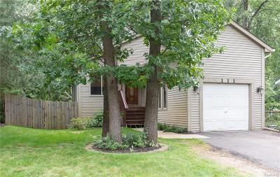 Commerce Single Family Home For Sale: 111 W Beechdale Street