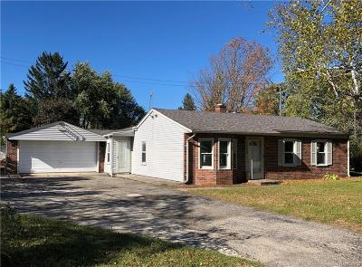 Lake Orion, Orion Twp, Clarkston, Independence Twp, Oxford Single Family Home For Sale: 3965 Queensbury Road