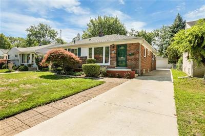 Royal Oak Single Family Home For Sale: 1017 Hickory Avenue