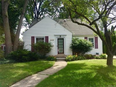 Royal Oak, Ferndale, Clawson, Berkley, Pleasant Ridge Single Family Home For Sale: 2660 Cummings Avenue