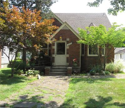 Sylvan Lake Single Family Home For Sale: 1835 Woodland Avenue