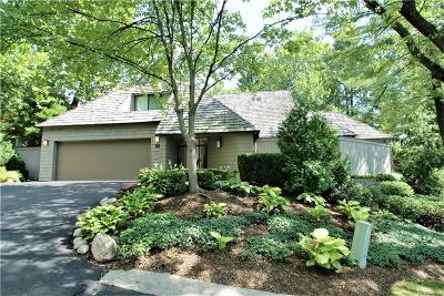 Bloomfield Hills Condo/Townhouse For Sale: 953 Bloomfield Woods