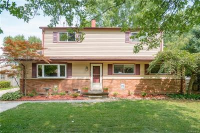 Chesterfield Twp MI Single Family Home For Sale: $199,900