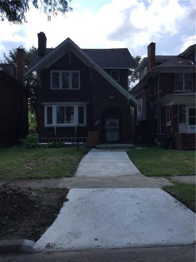 Detroit Single Family Home For Sale: 2499 N La Salle