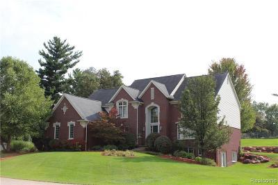 Washington Twp Single Family Home For Sale: 2200 Cambridge Court
