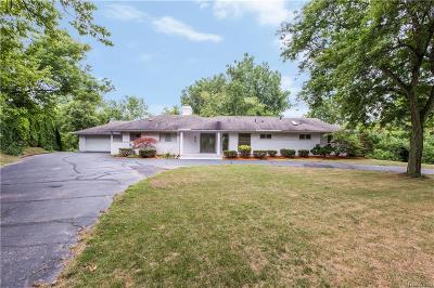 Bloomfield Twp Single Family Home For Sale: 4701 W Maple Road