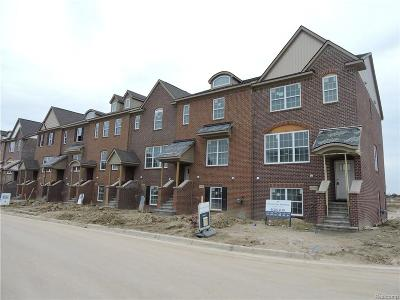 Condo/Townhouse For Sale: 47714 Leland Drive #61