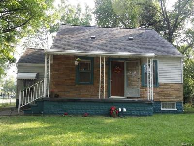 Hazel Park Single Family Home For Sale: 152 E Coy Avenue