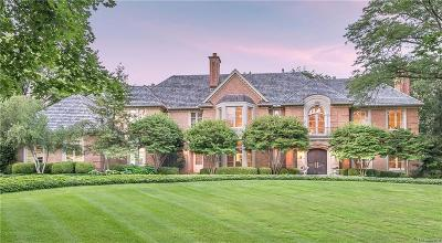 Bloomfield Hills Single Family Home For Sale: 1160 Pembroke Drive