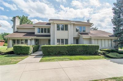 West Bloomfield Twp Single Family Home For Sale: 2045 Birchwood Way