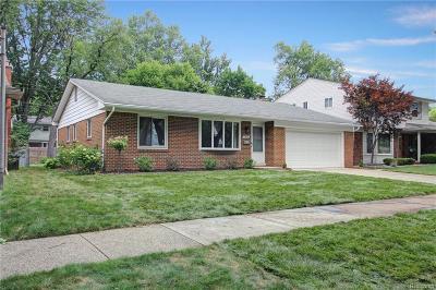 Livonia Single Family Home For Sale: 32920 Middleboro Street