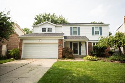 Oakland County, Wayne County Single Family Home For Sale: 868 Burlington Road