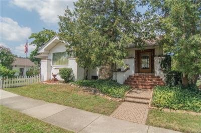 Royal Oak Single Family Home For Sale: 212 S Pleasant Street