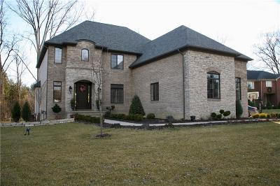 Macomb County, Oakland County Single Family Home For Sale: 468 Kennebunk Drive
