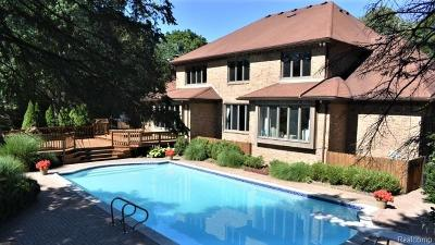Bloomfield Hills Single Family Home For Sale: 30 Cabot Pl