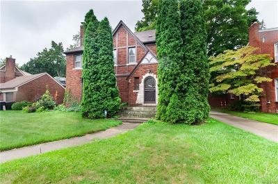 Detroit Single Family Home For Sale: 18635 Bretton Drive