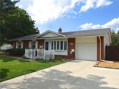 Plymouth Twp, Canton Twp, Livonia, Garden City, Westland Single Family Home For Sale: 33848 Pawnee Street