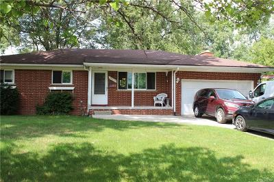 Macomb County, Oakland County, Wayne County Single Family Home For Sale: 29932 Hennepin Street