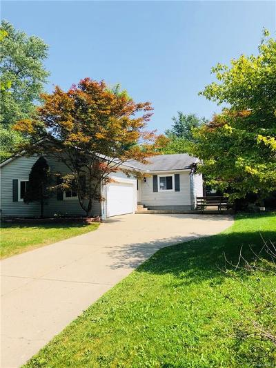 Waterford Single Family Home For Sale: 531 Lakeside