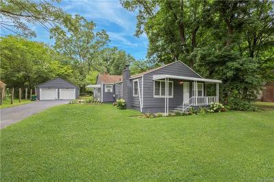 Farmington Hills Single Family Home For Sale: 21105 Sunnydale Street