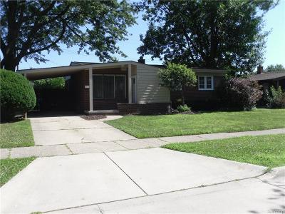 Macomb County Single Family Home For Sale: 22707 Sunnyside Street