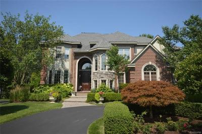 West Bloomfield Twp MI Single Family Home For Sale: $750,000