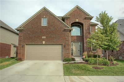 Macomb County, Oakland County Single Family Home For Sale: 30104 Trailwood Drive