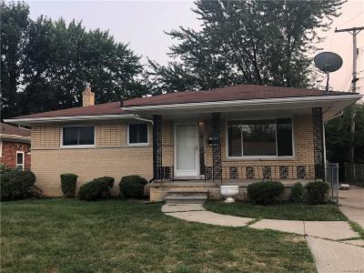 Macomb County Single Family Home For Sale: 18040 Toepfer Drive