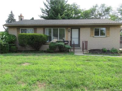 Livonia Single Family Home For Sale: 9338 Knolson Street