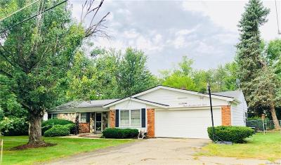 Farmington Hills MI Single Family Home For Sale: $191,000