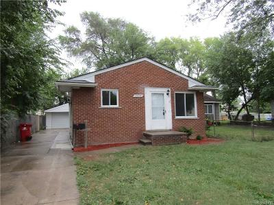 Oakland County, Macomb County Single Family Home For Sale: 23074 Piper Avenue