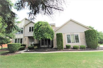 Farmington Hills Single Family Home For Sale: 21666 Glenwild