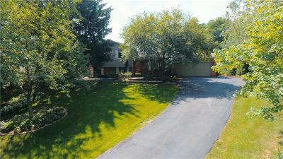 City Of The Vlg Of Clarkston, Clarkston, Independence Twp Single Family Home For Sale: 5109 Wah Ta Wah Drive