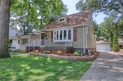 Ferndale,  Royal Oak,  Berkley,  Clawson, Huntington Woods, Pleasane Ridge, Madison Heights Single Family Home For Sale: 1206 McLean Avenue