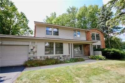 West Bloomfield Twp Single Family Home For Sale: 4812 S Valleyview Road