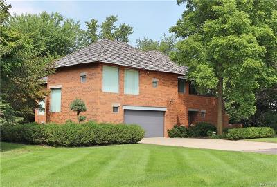 Grosse Ile, Gross Ile, Grosse Ile Twp Single Family Home For Sale: 22285 Balmoral Drive