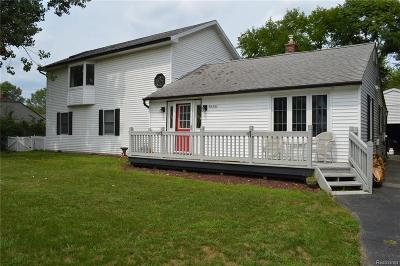 Waterford Twp Single Family Home For Sale: 5590 Cruse Avenue