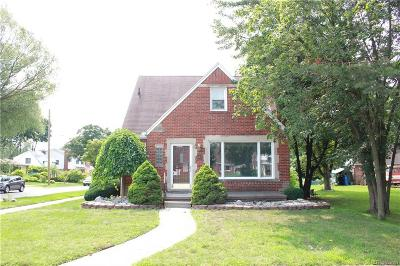 Dearborn Heights Single Family Home For Sale: 16871 W Outer Drive