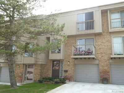 Rochester Hills Condo/Townhouse For Sale: 829 Oak Brook Ridge Drive