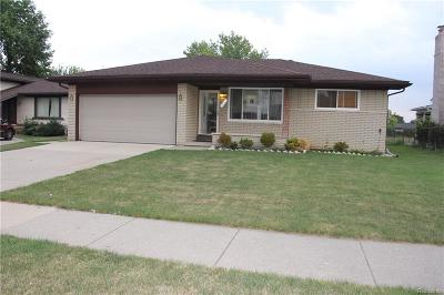 Sterling Heights MI Single Family Home For Sale: $226,900