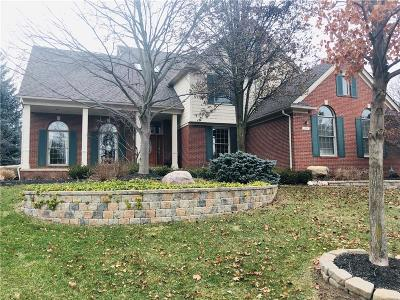 Rochester Hills Single Family Home For Sale: 1999 Barrington Court